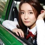 【画像あり】美人すぎるタクシードライバーがガチで可愛いwwwwwww