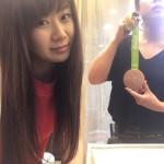 【卓球】福原愛が中国の美容室で「有村架純」並の可愛さに変身!後ろの美容師が強烈すぎると話題にwwwwwwww