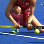 【画像】リオ五輪・女子ホッケーの選手のユニフォームがパンチラ胸パツでとんでもなくエロいwwwwwww