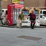 歌舞伎町でとんでもない女王様に調教されるM男がかなり苦しそうwwwwwwwwwww(画像あり)