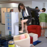 【ぱるる】AKB48島崎遥香さんがパンチラ寸前の色白太ももを披露wwwwwwwwwww