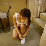 AV女優「初音みのり」がテレビで思いっきり胸チラを公開するwwwwwwwww(画像あり)
