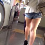 【画像】街中でムッチムチの太もも出して歩いてるエロ女って露出狂だって自覚あんの?