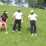 【画像】 ゴルフ番組で、思い切りパンモロしておじさんゴルファーガン見されてる美人タレントwwwwwww