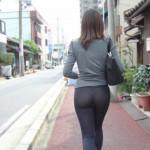 【画像】露出狂かよってぐらいに街中でパンティーが透けてる女wwwwwwwwwwwww