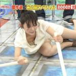 【画像】エロ過ぎアウトー!テレビに移りまくった放送事故級の胸チラ・パンチラ大集合wwwwwwwwww