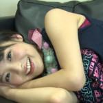 【画像】美人声優の上坂すみれさん、寝っ転がりながらドスケベなワキマンコを見せるwwwwwwwwwwwww