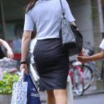 【画像】スーツ着てる女のピッチリしたお尻ぐうエロwwwwwwwwwwwwwwwww