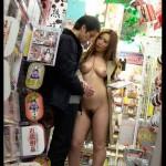【画像あり】実際アダルトショップでこんな女に出会ったら勃起止まらなさそうwwwwwwwwwww