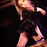 浜崎あゆみさん(40歳)ライブでパンツ丸見え画像がめちゃめちゃエロいwwwwwwwwwwww