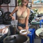 【画像】タイの屋台がエロ過ぎるwwwwwwwwwwwwwwwwwwwww